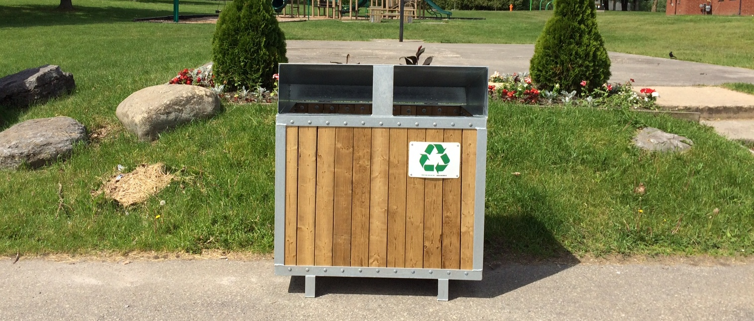 Picture of recycling container at Island Park